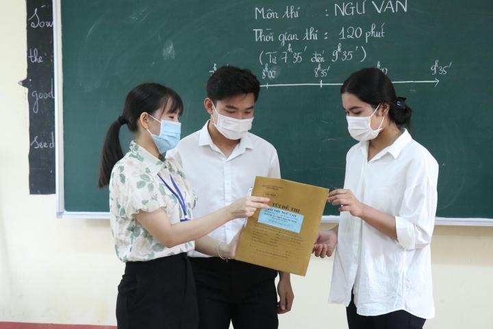Thi tốt nghiệp THPT: Quy trình chấm thi môn Ngữ văn có gì đặc biệt? - 1