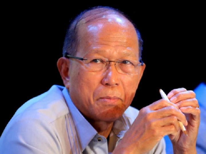 ارتش فیلیپین اخباری را در مورد ریختن زباله های قایق های ماهیگیری چینی در دریای شرقی بررسی می کند - 1