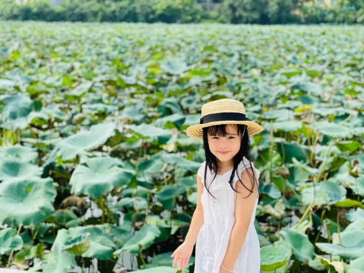 Con gái út đáng yêu của MC Diễm Quỳnh - 1