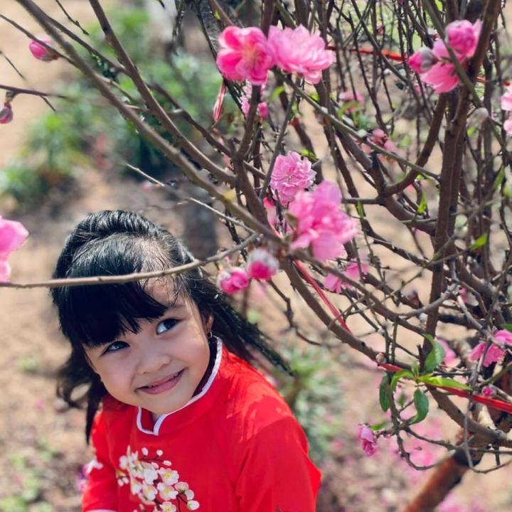 Con gái út đáng yêu của MC Diễm Quỳnh - 4