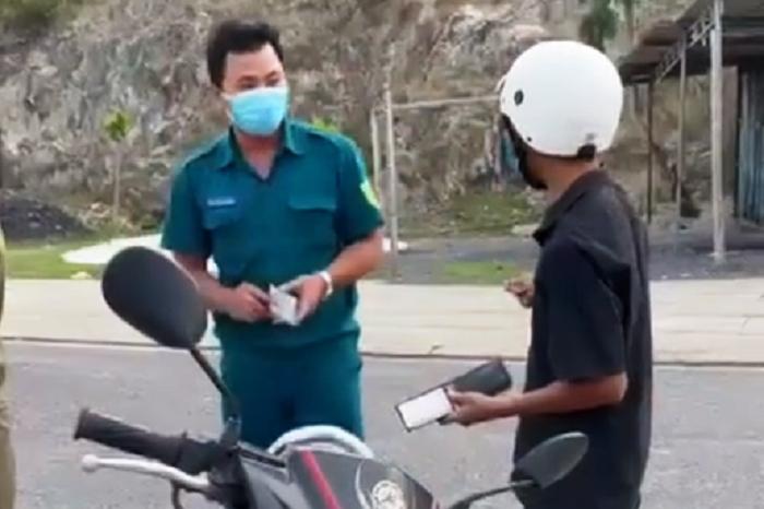Chủ tịch TP Nha Trang xin lỗi người bị PCT phường giữ xe khi đi mua bánh mì - 2