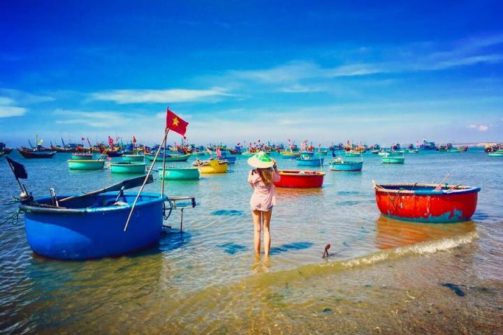 Có một làng chài đẹp mê ly với những chiếc thuyền thúng đầy màu sắc ở Bình Thuận - 3