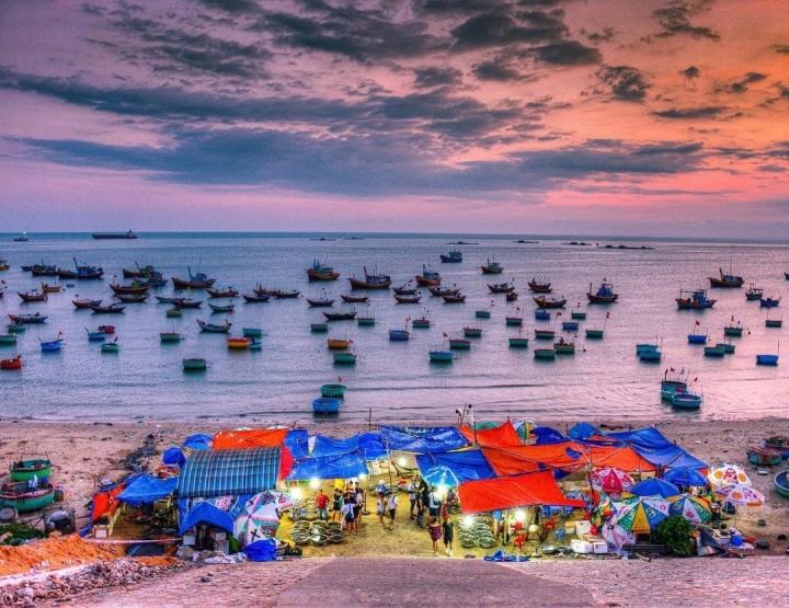 Có một làng chài đẹp mê ly với những chiếc thuyền thúng đầy màu sắc ở Bình Thuận - 5