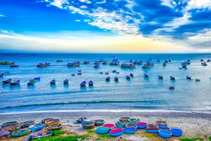 Có một làng chài đẹp mê ly với những chiếc thuyền thúng đầy màu sắc ở Bình Thuận - 6