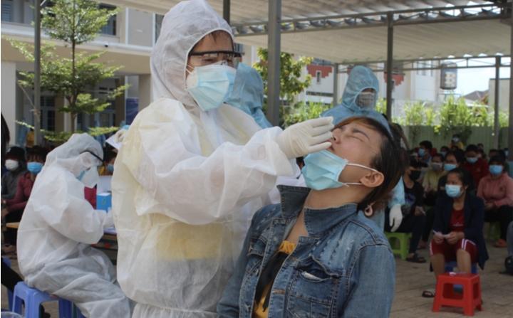 Đồng Nai thêm 215 người dương tính SARS-CoV-2, nguy cơ lây nhiễm cộng đồng cao - 1