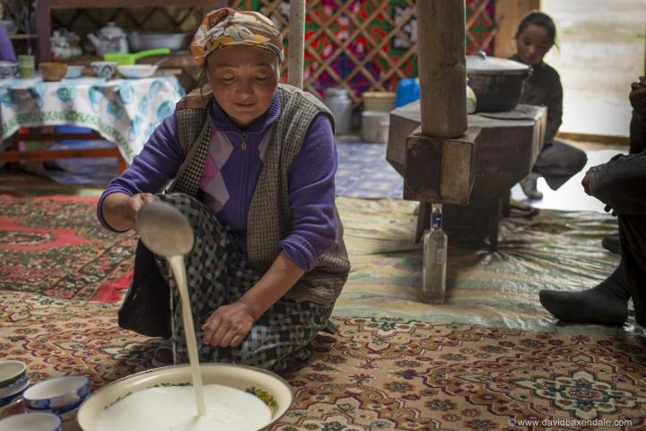 Trà sữa - thức uống xa xỉ mùa dịch lại là 'nước' uống hàng ngày ở đất nước này - 1