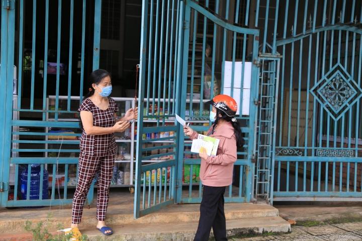 Đắk Nông: Phát phiếu đi chợ cho từng hộ gia đình, 2 ngày được đi một lần