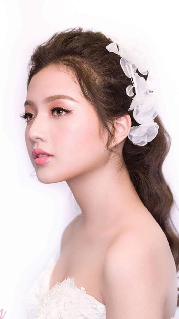 Vẻ đẹp dịu dàng của diễn viên đóng Diệp trong 'Hương vị tình thân' phần 2 - 9