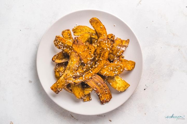 Ở nhà mùa dịch, làm 5 loại snack từ chuối xanh cực dễ - 1