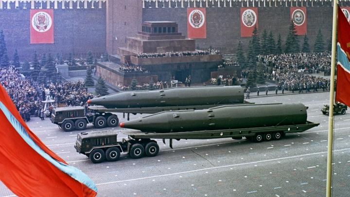 موشک های هسته ای جعلی برنامه های تسلیحاتی اتوپیایی ایالات متحده و اتحاد جماهیر شوروی را تهدید می کند - 2