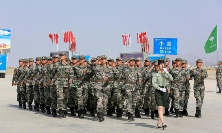 چین تانک های نوع 96 را برای شرکت در بازی های ارتش 2021-2 به روسیه آورد