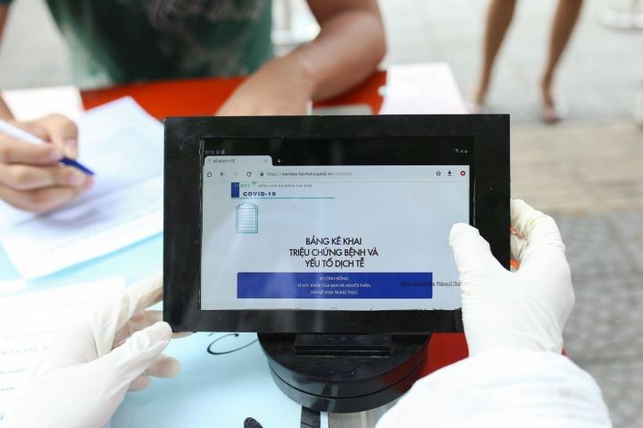 Hà Nội kêu gọi người dân khai báo y tế hằng ngày để sớm phát hiện ca COVID-19 - 1