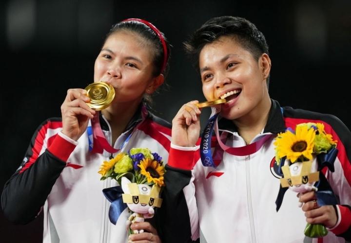 Thắng đội Trung Quốc, 2 VĐV Indonesia nhận ngay 8 tỷ đồng, thêm 5 con bò - 1