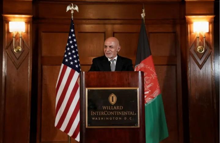 Tổng thống Afghanistan từ chức, rời khỏi đất nước - 1