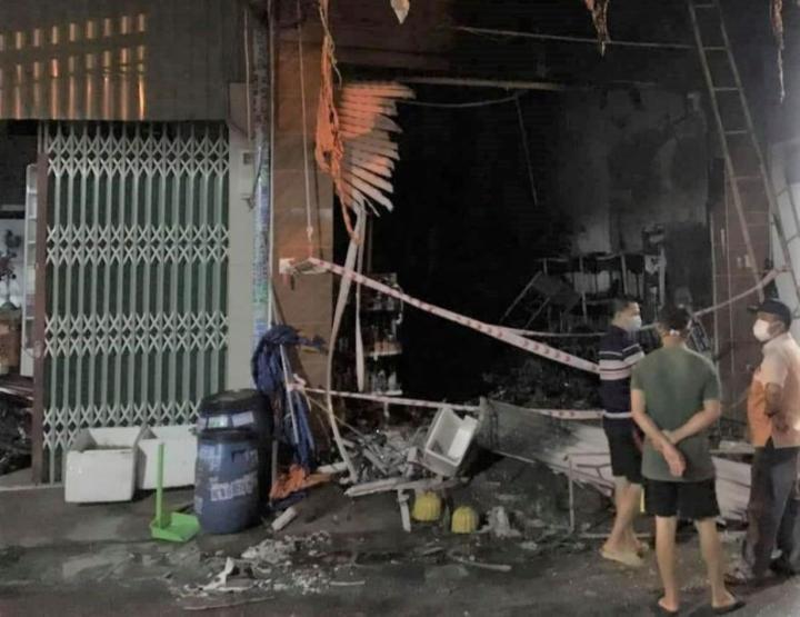 Cháy nhà ở Bình Dương, 3 người chết - 2
