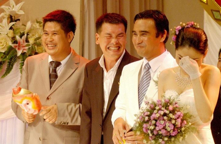 Bi hài chuyện hy hữu trong đám cưới của sao Việt, đúng câu 'đời là sân khấu' - 1