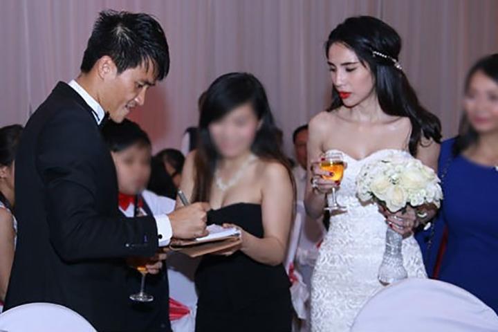 Bi hài chuyện hy hữu trong đám cưới của sao Việt, đúng câu 'đời là sân khấu' - 4