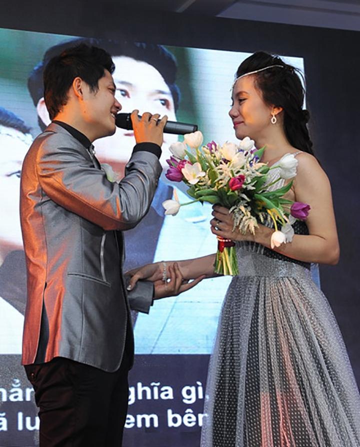 Bi hài chuyện hy hữu trong đám cưới của sao Việt, đúng câu 'đời là sân khấu' - 5