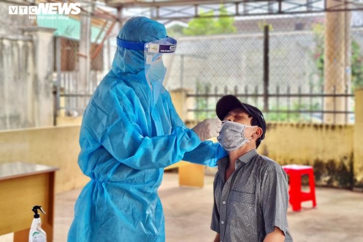 Gia Lai phát hiện thêm 17 ca dương tính nCoV, 2 người là nhân viên y tế - 1