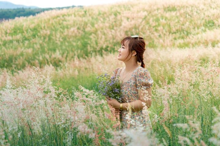 Đồi cỏ hồng đẹp mơ màng nằm giữa núi rừng Gia Lai hút hồn du khách - 4