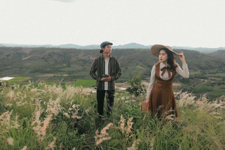 Đồi cỏ hồng đẹp mơ màng nằm giữa núi rừng Gia Lai hút hồn du khách - 9