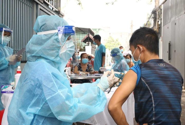 TP.HCM: F0 không có chứng nhận khỏi bệnh cần tiêm vaccine để có thẻ xanh - 1