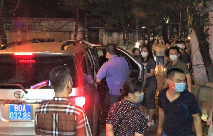 Hà Nội: Bắt thêm 2 cựu đội phó Công an quận Tây Hồ - 1