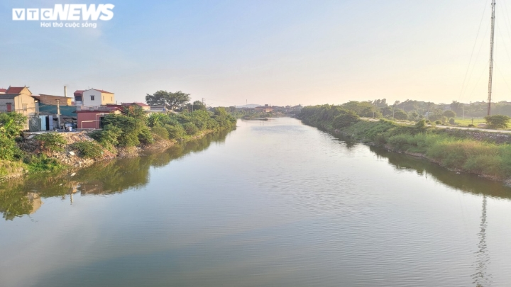 Dòng sông 'chết' ở Bắc Ninh hồi sinh sau 20 năm chìm trong khói bụi, nước thải  - 2
