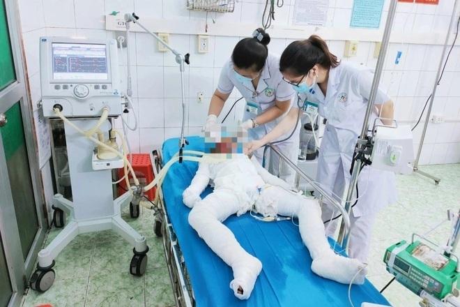 Công an điều tra vụ bố và 2 con gái chết do cháy nhà ở Tuyên Quang - 1