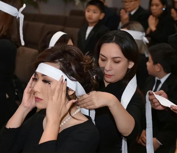 Sao Việt nghẹn ngào tiễn biệt Phi Nhung: Xót xa khi phép màu không xảy ra