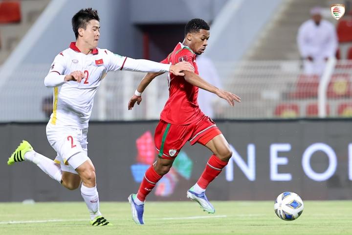 Tuyển Việt Nam xếp hạng FIFA thấp nhất trong 2 năm qua