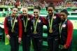 Vô địch Olympic, vận động viên phải tự đeo huy chương