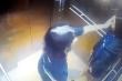 Hình ảnh cuối cùng của 2 cô gái trẻ trước khi rơi lầu chung cư ở TP.HCM