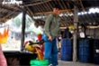 Ảnh: Làng mật mía xứ Thanh kiếm bộn tiền ngày Tết
