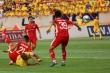 Video: Rùng mình những tình huống bóng bạo lực trong trận Nam Định vs Viettel