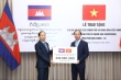 Việt Nam hỗ trợ Campuchia 200.000 USD chống dịch COVID-19