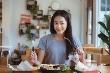 Những lợi ích sức khỏe không ngờ từ thói quen ăn tối sớm