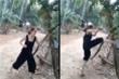 Clip: Cô gái trổ tài luyện võ với cây chuối