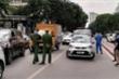 Tài xế đột tử trong ô tô khi chờ đèn đỏ ngay giữa phố Hà Nội
