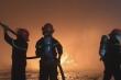 Cảnh sát cứu lô máy móc, hàng hóa tiền tỷ khỏi đám cháy ở Buôn Ma Thuột