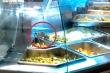 Kinh hãi chuột bò trên quầy thức ăn ở Aeon Mall Tân Phú TP.HCM