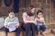 Giáo viên vượt đường khó, đến tận nhà học sinh vùng sâu giao bài tập