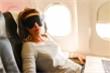 Những vật dụng nên mang theo trên máy bay để ngủ ngon