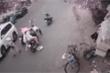 Đám đông 'hôi' tiền cô gái đánh rơi: Phải truy cho được những tên cướp tham lam