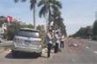 3 cán bộ cúi nhìn điện thoại sau tai nạn: UBKT Tỉnh ủy Nghệ An lên tiếng