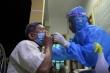 Ảnh: Xuyên đêm lấy mẫu xét nghiệm COVID-19 cho người dân ở TP.Hà Tĩnh