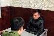 Tranh giành micro hát karaoke, thanh niên cầm điếu cày đánh chết người