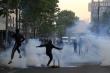 Biểu tình phản đối phân biệt chủng tộc lan tới Pháp, cảnh sát mạnh tay trấn áp