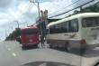 Tước bằng lái 2 tài xế thí mạng hàng chục hành khách để rượt đuổi, hỗn chiến