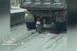Nam thanh niên phóng xe máy như bay tông thẳng đuôi xe tải dừng đèn đỏ